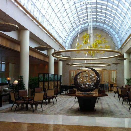 Photo taken at The Ritz-Carlton, Millenia Singapore by Baris C. on 10/22/2012