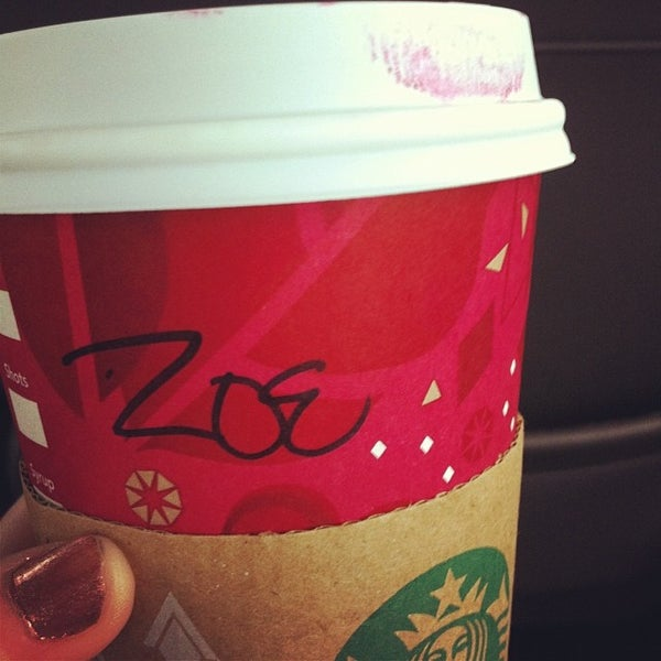 Photo taken at Starbucks by Zoey on 12/22/2013