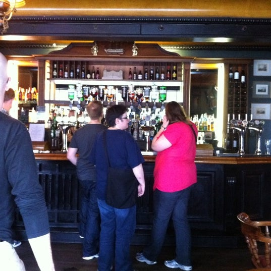 Photo taken at Trafalgar Tavern by Wendeline v. on 9/9/2011