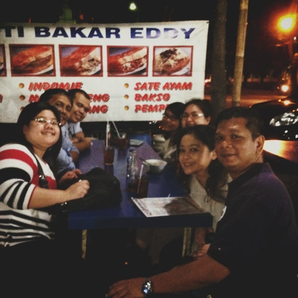 Photo taken at Roti Bakar Eddy by Gusti Putri on 1/6/2014