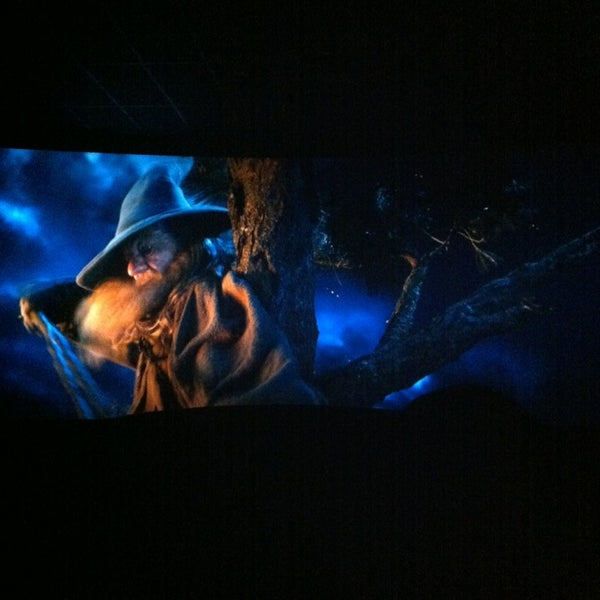 12/22/2012 tarihinde Аннаziyaretçi tarafından Кинотеатр «Россия»'de çekilen fotoğraf