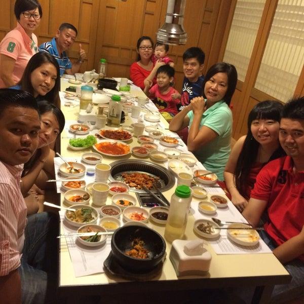 Photo taken at Daorae Korean BBQ Restaurant by Yunbing L. on 1/10/2015
