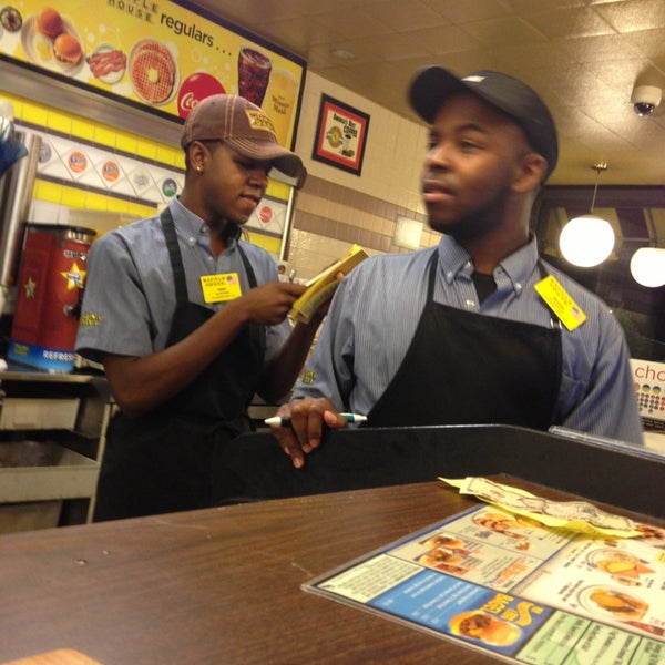 Photo taken at Waffle House by Joe S. on 7/27/2013