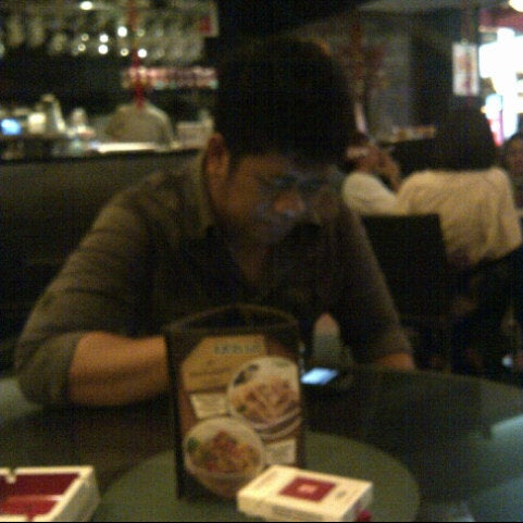 Photo taken at de`EXCELSO by Jo A. on 2/20/2013