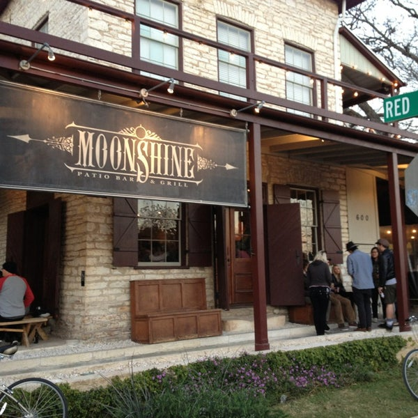 Moonshine patio bar grill american restaurant in for American cuisine austin