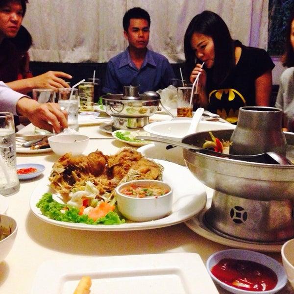 Photo taken at บ้านเอกเขนก by issada on 2/6/2014