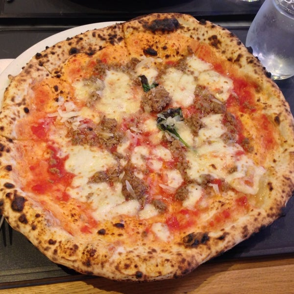 Photo taken at Franco Manca by Lisa T. on 7/24/2013