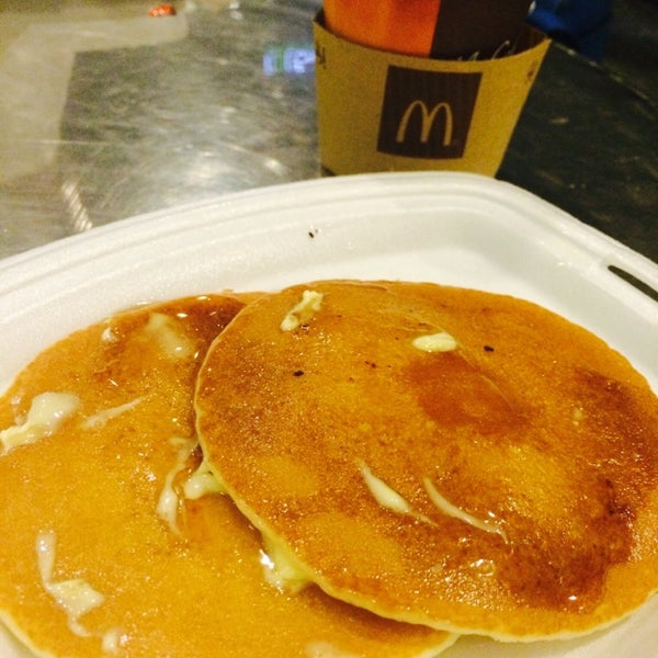 Photo taken at McDonald's by Angelica on 7/16/2014