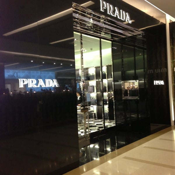 Photo taken at Prada by warlordped r. on 8/22/2013