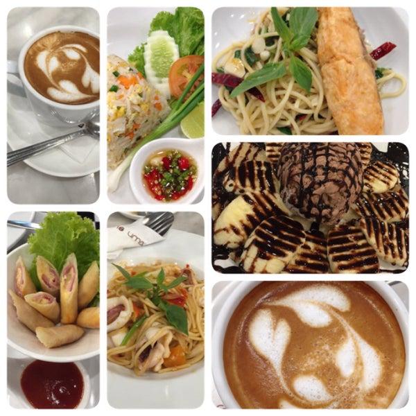 Photo taken at brown sugar cafe by * su * on 7/18/2015
