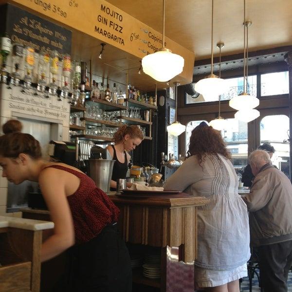 Cafe Le Chat Bossu Paris