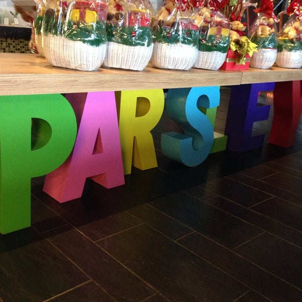Photo taken at Parsley Bakery & Cake Shop by Vera R. on 12/22/2013