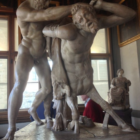 Photo taken at Uffizi Gallery by Marco A. on 11/22/2012