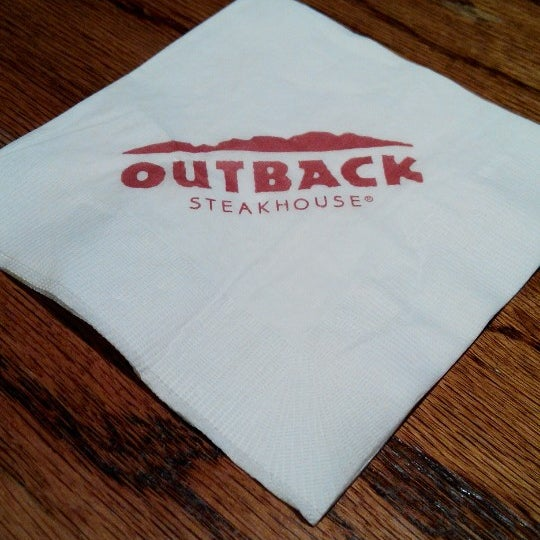 Photo taken at Outback Steakhouse by Matthew L. on 7/13/2014