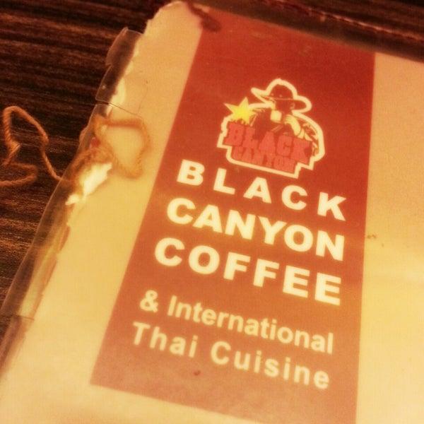 Photo taken at Black Canyon Coffee by Wong Z. on 2/24/2013