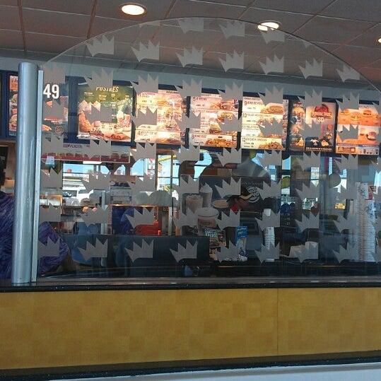 Photo taken at Burger King by Omar E. on 10/7/2013