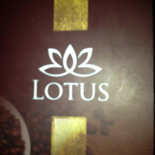 3/4/2013 tarihinde Ali Ç.ziyaretçi tarafından Lotus Cafe Restaurant'de çekilen fotoğraf