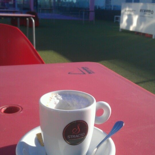 Photo taken at Ecommpadel by Gente d. on 2/7/2013