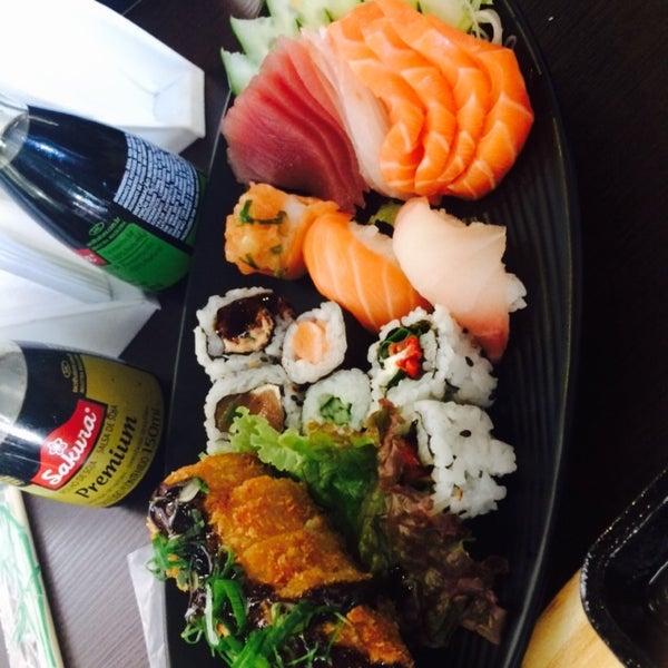 Photo taken at Lins Sushi by Tati S. on 6/6/2015