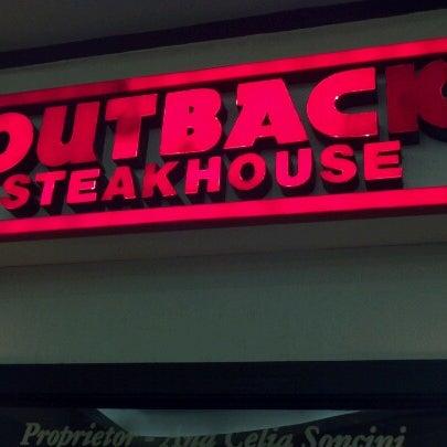 Foto tirada no(a) Outback Steakhouse por Eduardo S. em 10/13/2012