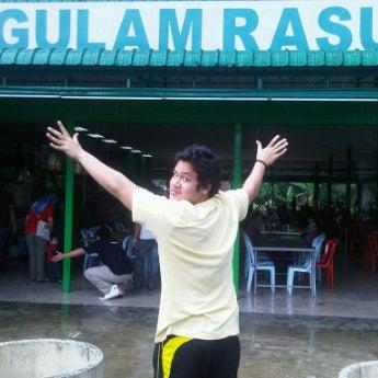 Photo taken at Gulam Rasul by dan U. on 12/4/2011