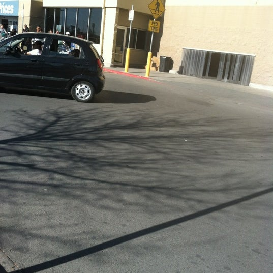 Photo taken at Walmart Supercenter by Jasmine G. on 2/25/2012