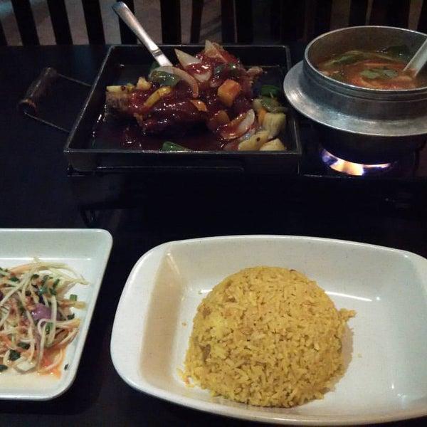 Photo taken at Soul Thai Restaurant by LittlenOOb on 9/14/2016