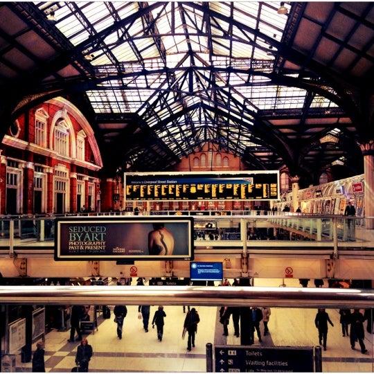 Photo taken at London Liverpool Street Railway Station (ZLS) by Djaia on 12/8/2012