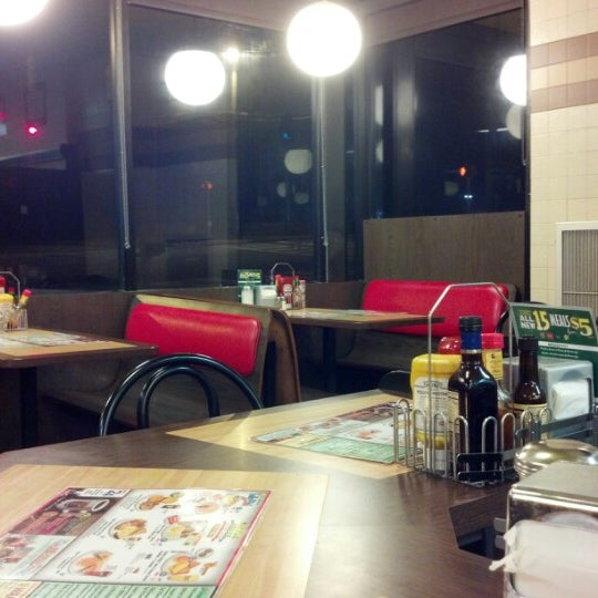 Photo taken at Waffle House by Lauren D. on 12/9/2012