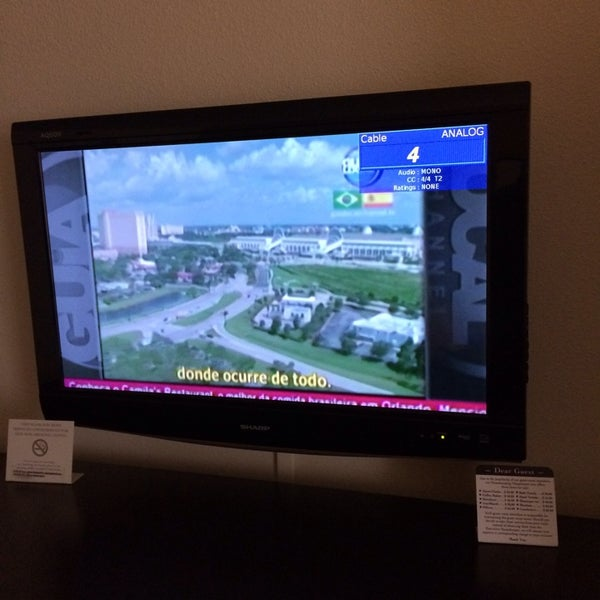 Photo taken at Clarion Inn & Suites At International Drive by Guia Local Channel S. on 3/6/2014