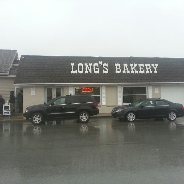 Photo taken at Long's Bakery by Dee C. on 10/6/2013