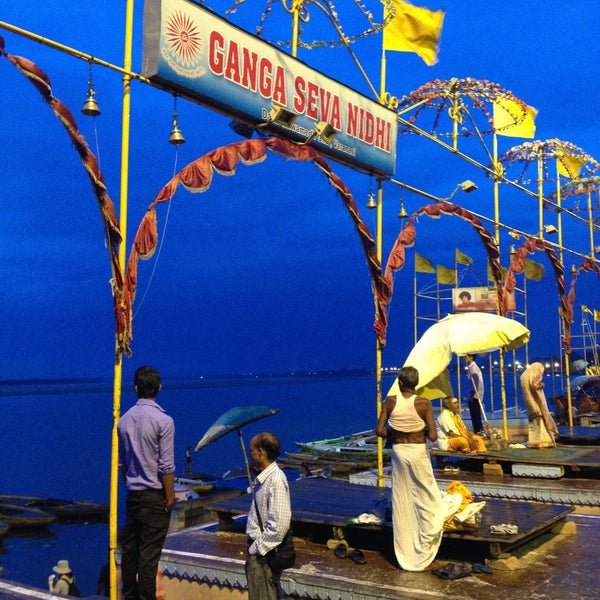 Photo taken at Dasaswamedh Ghat by Cristian F. on 4/20/2013