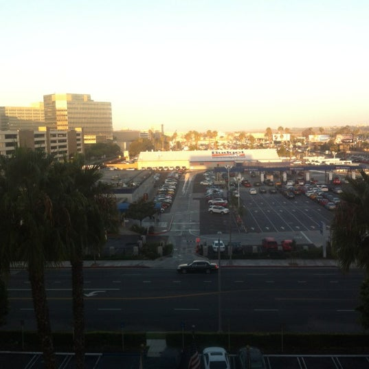 Photo taken at Four Points by Sheraton Los Angeles International Airport by Till on 9/19/2012