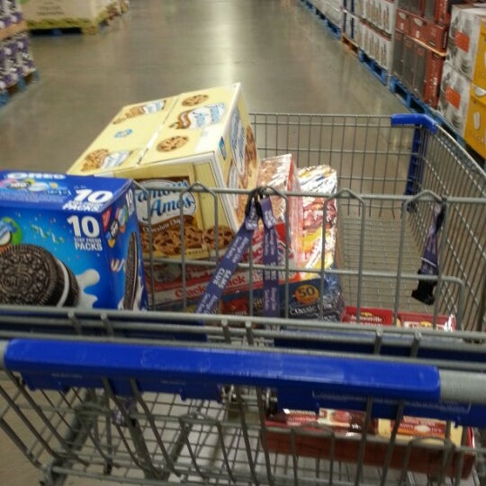 Photo taken at Sam's Club by Ivy R. on 1/5/2013