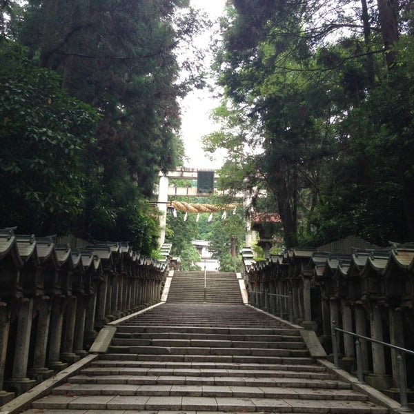 Photo taken at 宝山寺 Hozan-ji (生駒聖天) by Tomokuni N. on 6/24/2013