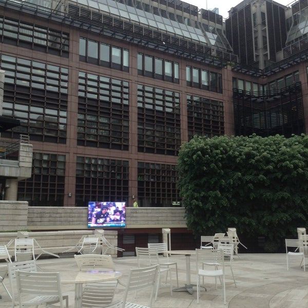 Cool Places In London For Lunch: Broadgate Circle
