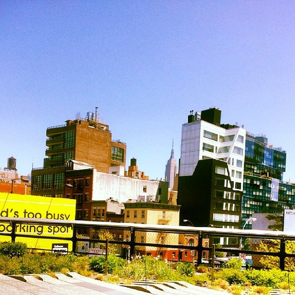 Photo taken at High Line 10th Ave Amphitheatre by Dave W. on 5/5/2013