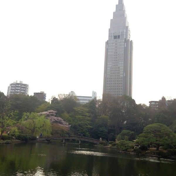 Photo taken at 新宿御苑 (Shinjuku Gyoen) by Masahiro K. on 4/1/2013