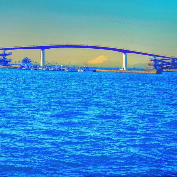 Photo taken at 中の島大橋 by Yutaka I. on 1/12/2015