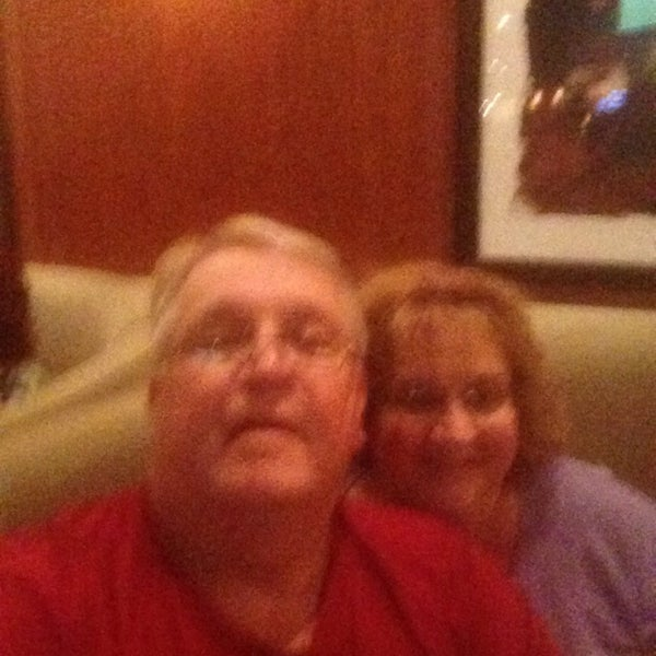 Photo taken at Bar Louie Mohegan Sun by Gary W. on 6/7/2014