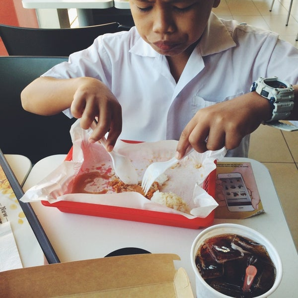 Photo taken at McDonald's by shayne o. on 9/23/2014