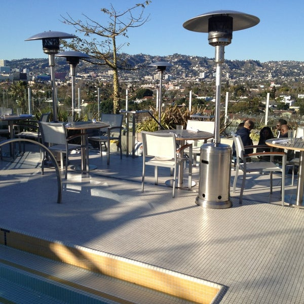 The roof on wilshire new american restaurant in los angeles for Food bar wilshire