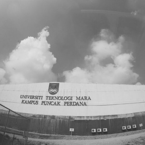 Photo taken at UiTM Puncak Perdana by Amira Idayu A. on 3/28/2015