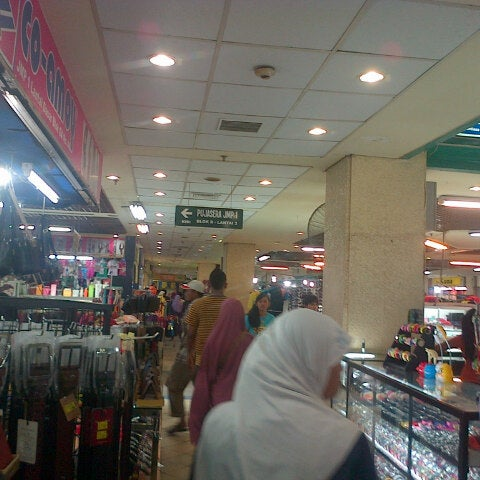 Photo taken at Pusat Grosir Jembatan Merah Plasa (JMP) by Saifut T. on 5/11/2013