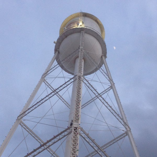 Photo taken at Lucky Strike Water Tower by Bela on 4/18/2013