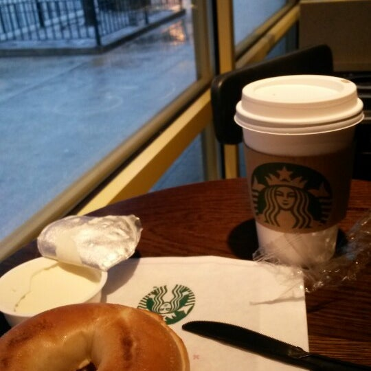 Photo taken at Starbucks by Merve G. on 1/29/2015