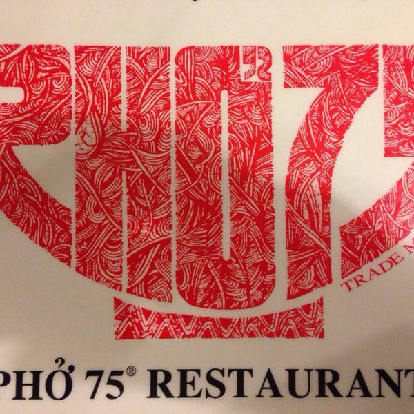 Photo taken at Pho 75 by Cécile R. on 12/29/2013