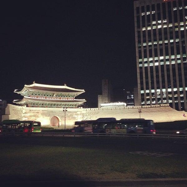Photo taken at Sungnyemun by Raphael Younha H. on 5/21/2013
