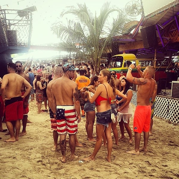 Photo taken at Seacrets by Alex B. on 7/5/2014