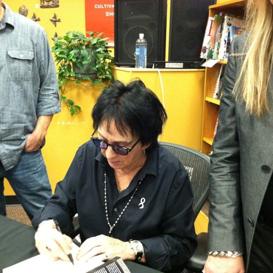 Photo taken at Changing Hands Bookstore by Brad M. on 12/7/2012